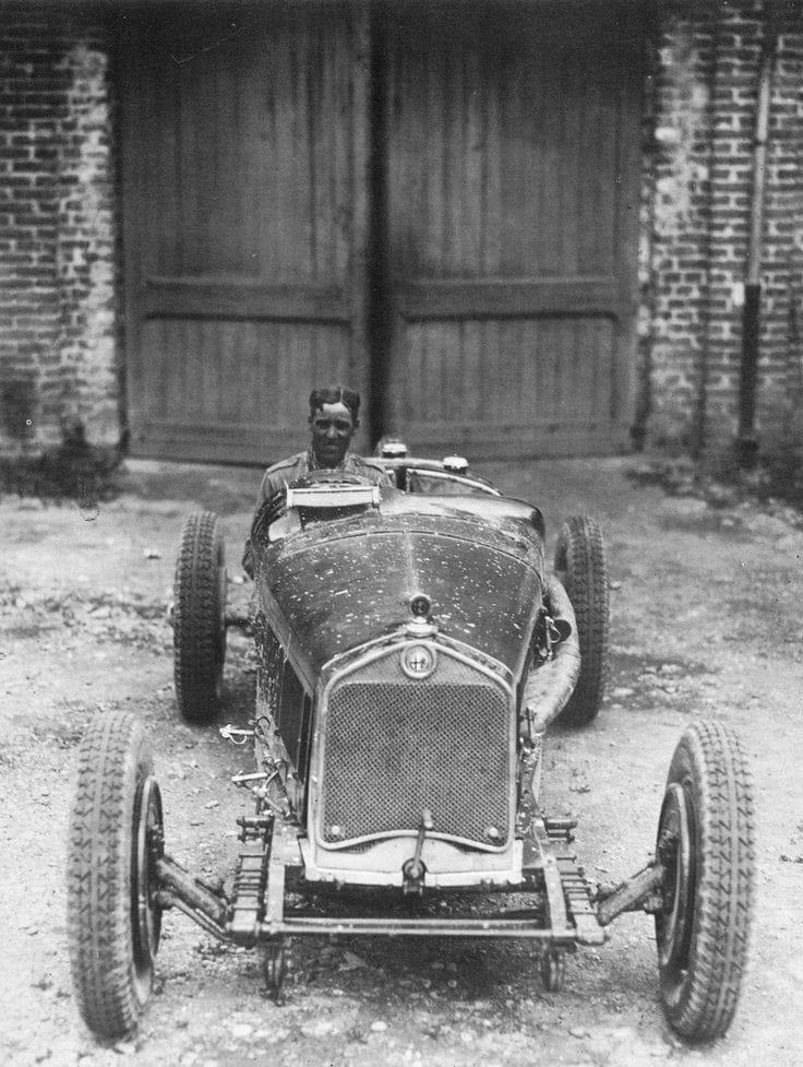 Alfa-Romeo---Tazio-Nuvolari-200-km-uur-