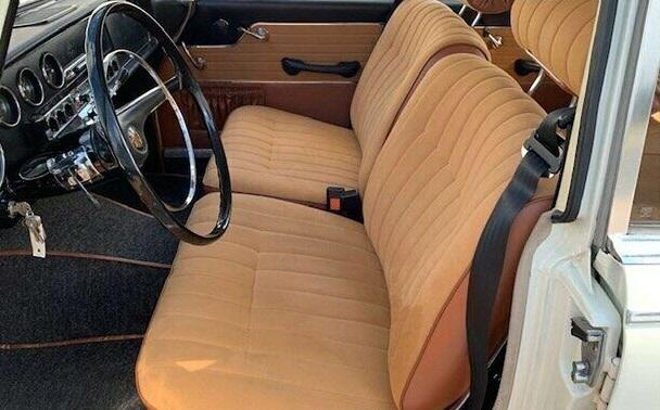 Borgward-P100-Limousine-1961-(4)