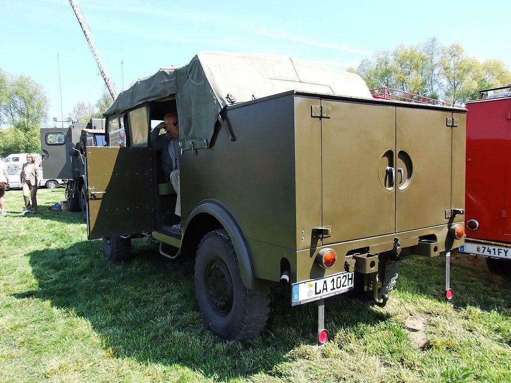 Borgward_B2000_Kübelwagen_6Zyl_1956