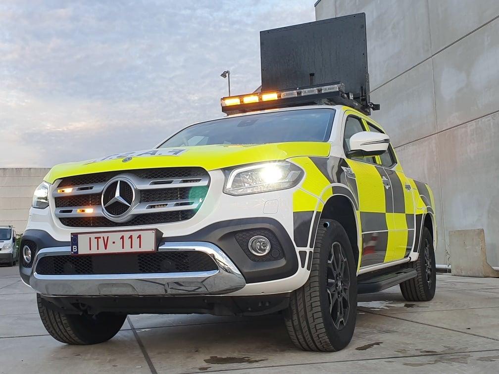 Mercedes-begeleidings-wagen
