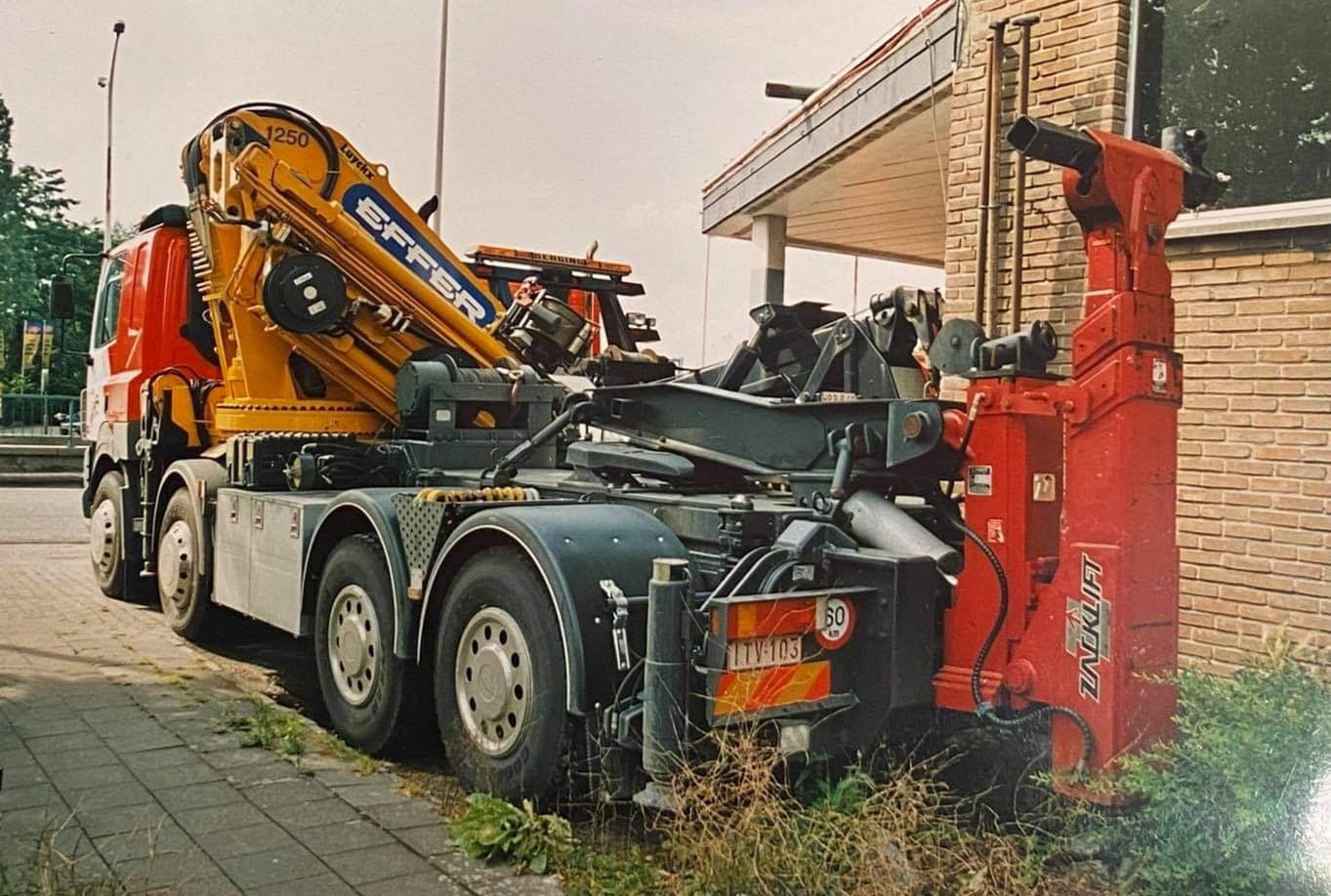 Viane-Takeldienst-Antwerpen--(6)
