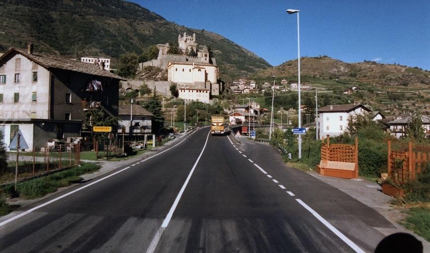 route-Aosta---Chateau-da-San-Pierre
