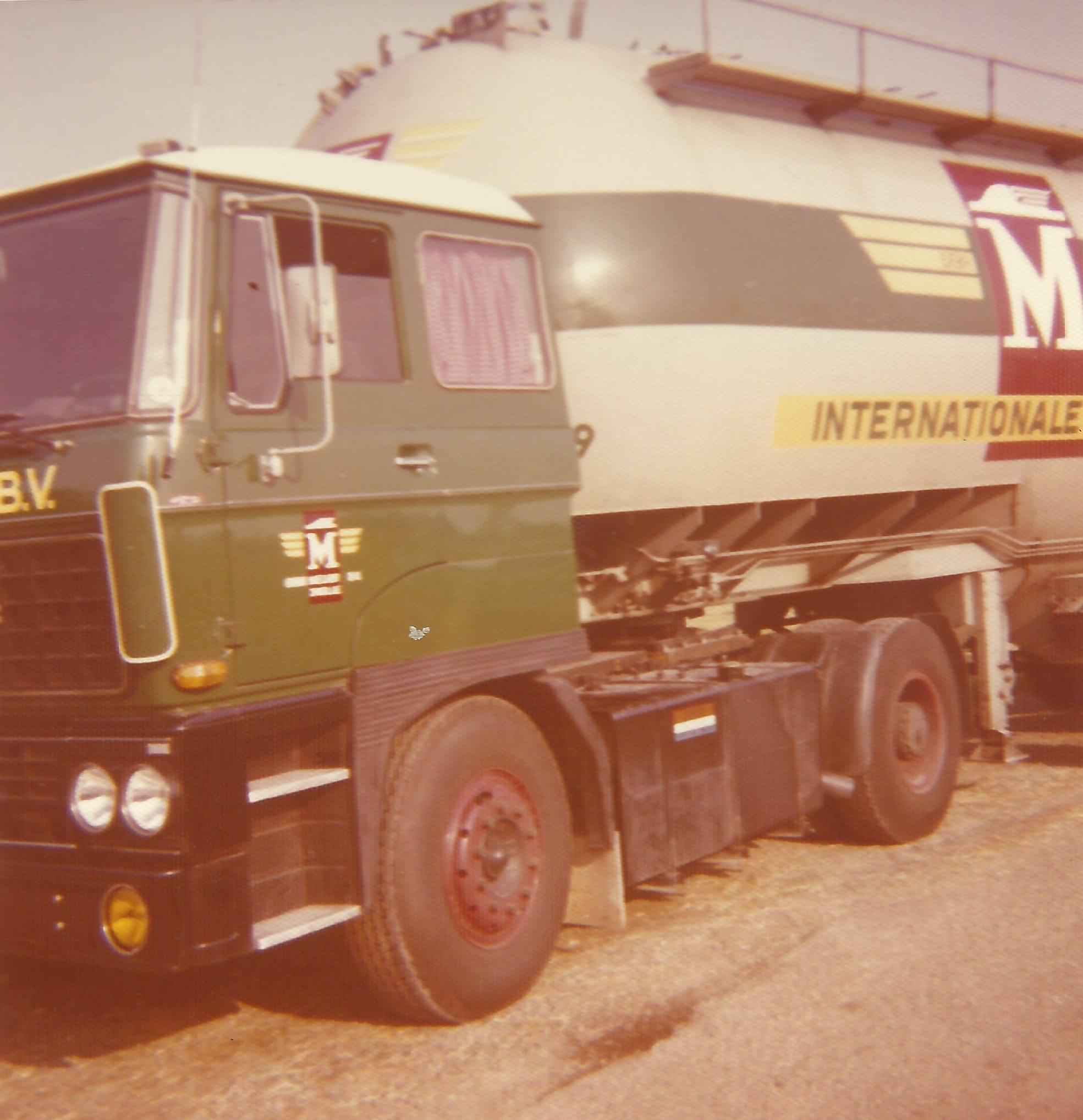 DAF-2800-(1)
