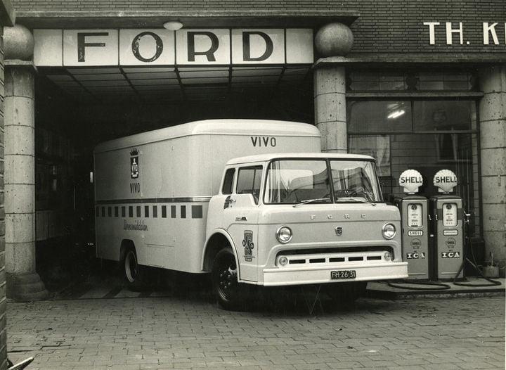 Ford-geleverd-door-Knegtel-