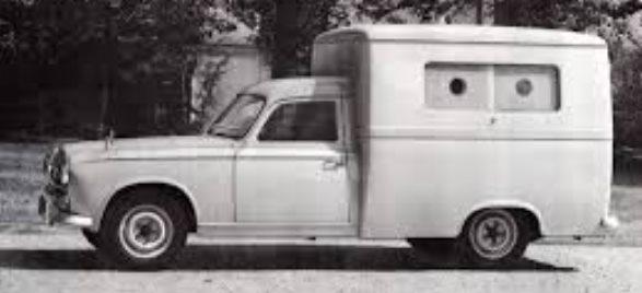 Peugeot-403-de-carrosserie-van-het-verleden-van-de-202-en-203-werd-hier-weer-gebruikt