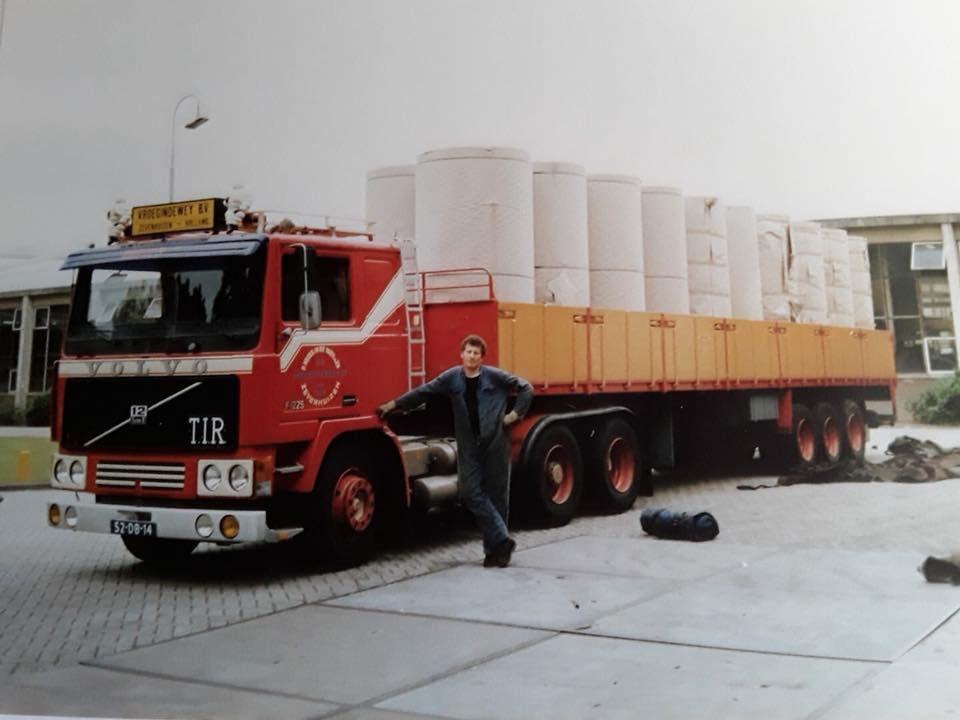 chauffeur-Alle-Schaap-metde-mooi-afgebonden--trailer--(1)