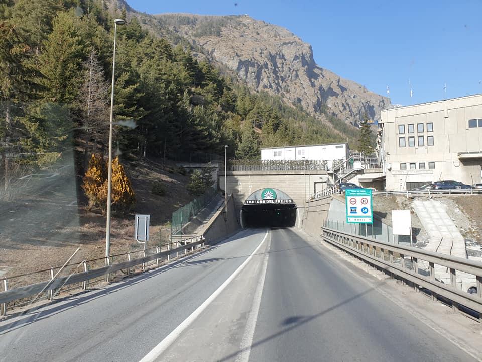 Ruud-Rosenboom-Laatste-ritje-met-de-Daf-was-een-mooie--reisje-🇮🇹via-de-Tunnel-de-Frejus-heen-en-terug--Dit-weekend-de-Scania-gekregen--ben-benieuwd--27-2-2021--(6)