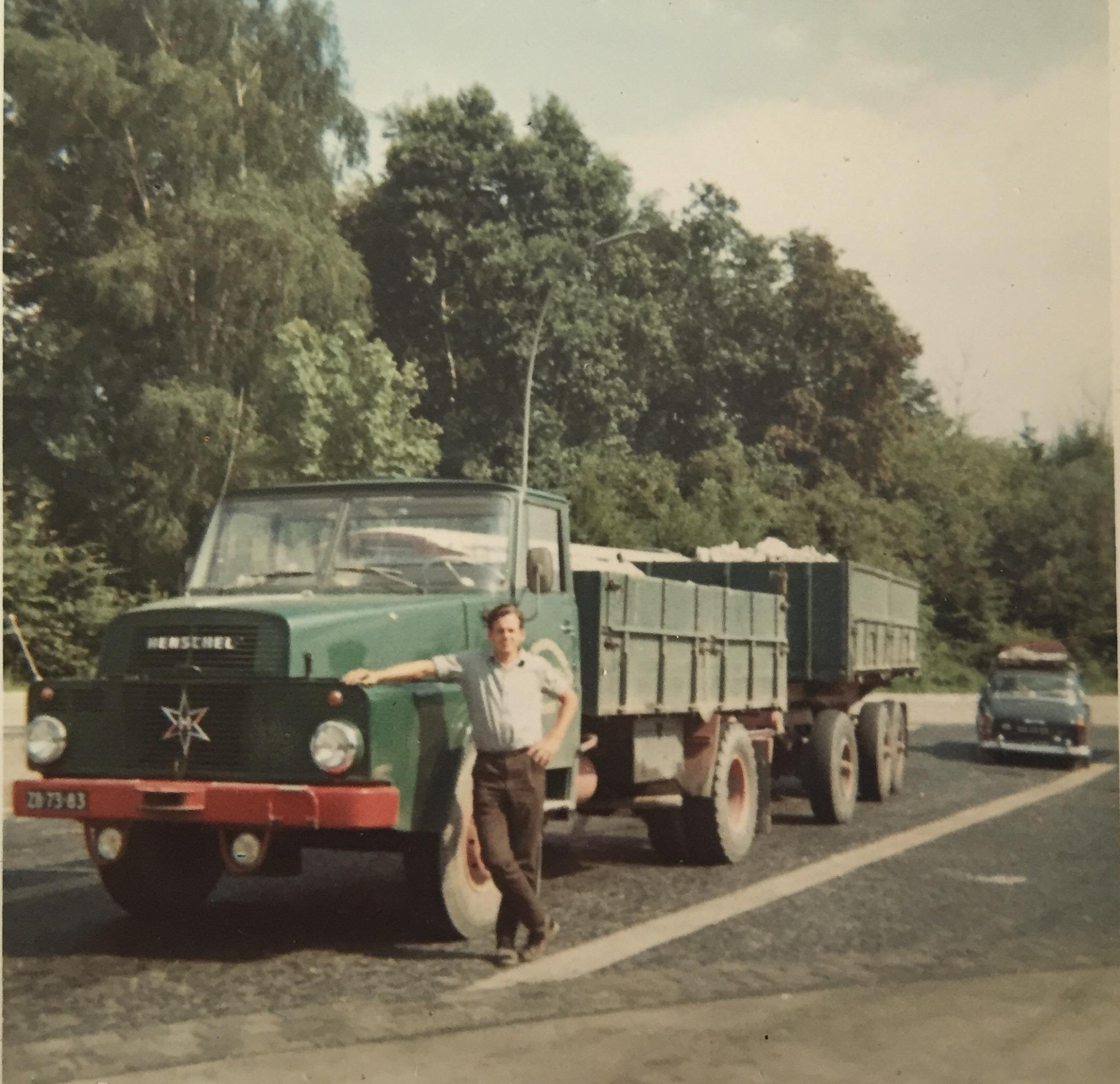 Henschel-1966-Siegburg-parkplatz-ZB-73-83-