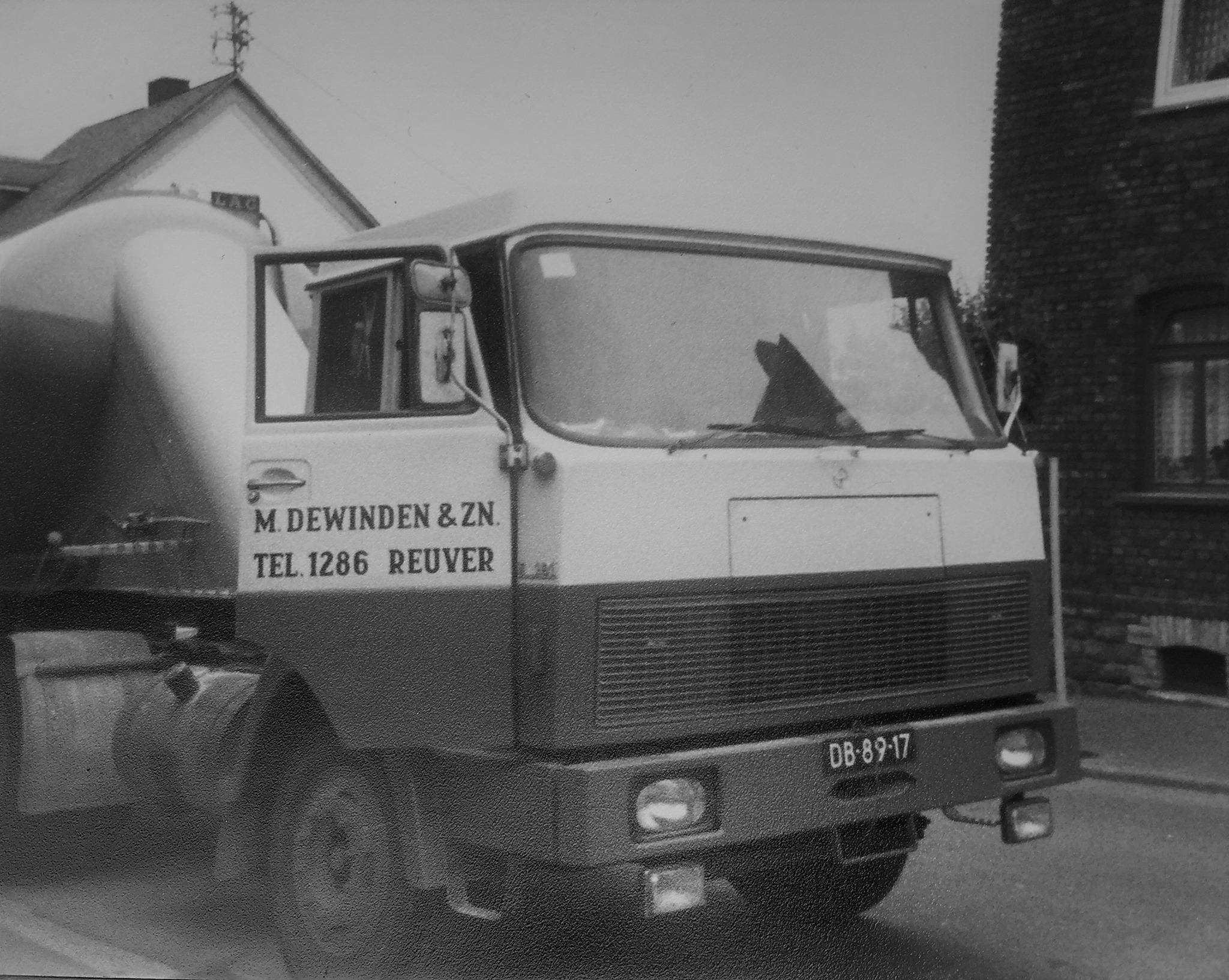 Henschel-1977-Conradi-in-Siershahn-WW-de-eerste-bulk-oplegger--