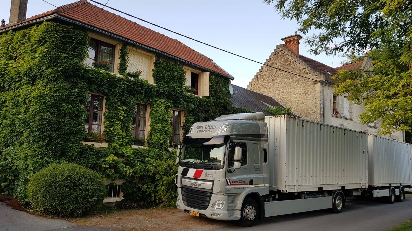 DAF-geladen-in-Frankrijk-gelost-in-Drente-