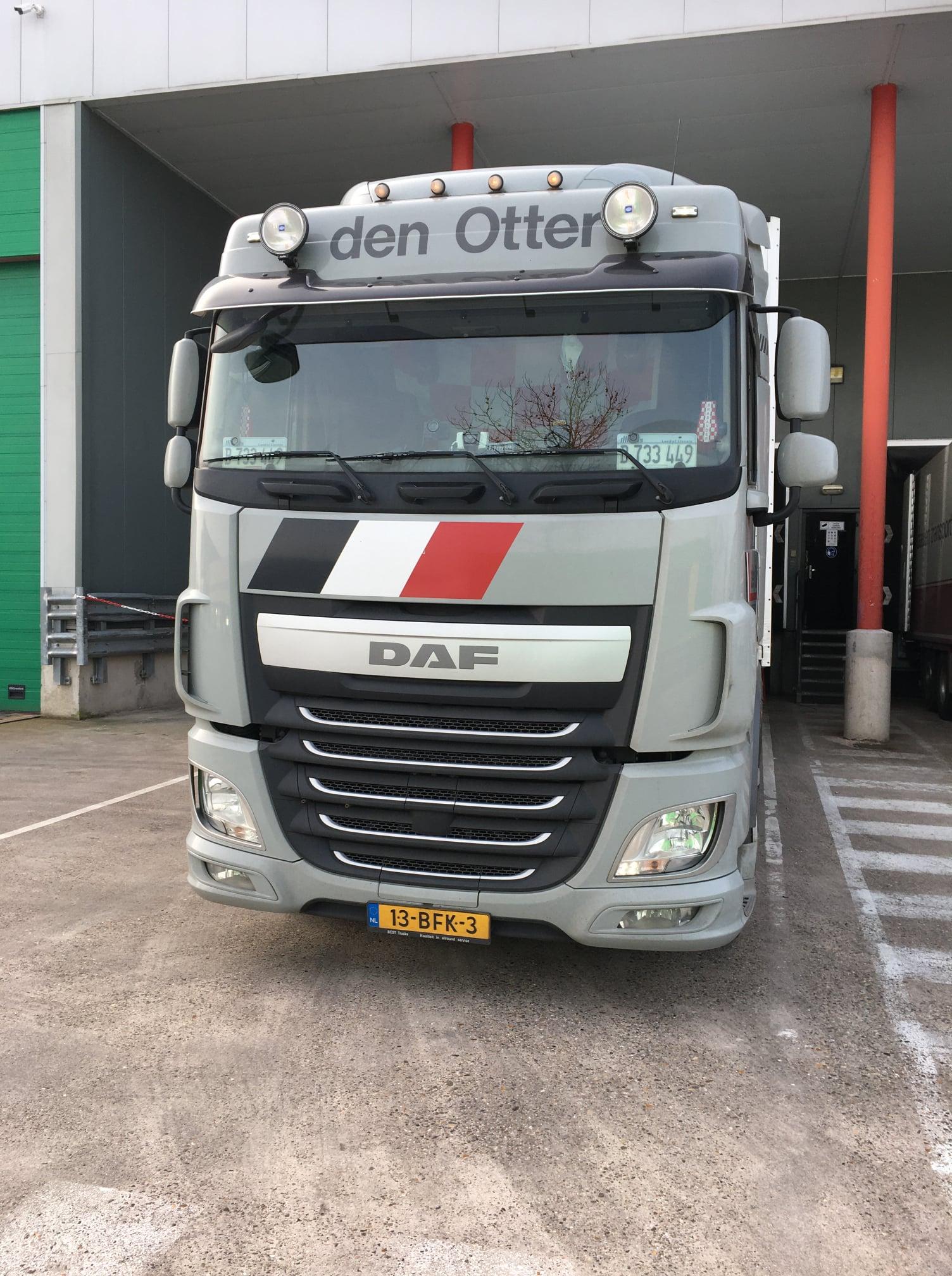 Daf-thuis-op-de-parking-foto-Jan-Van-Pelt--23-2-2021