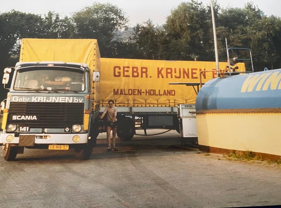 Scania-Rheinbollen-tanken--Joop-Hoogveld-foto--