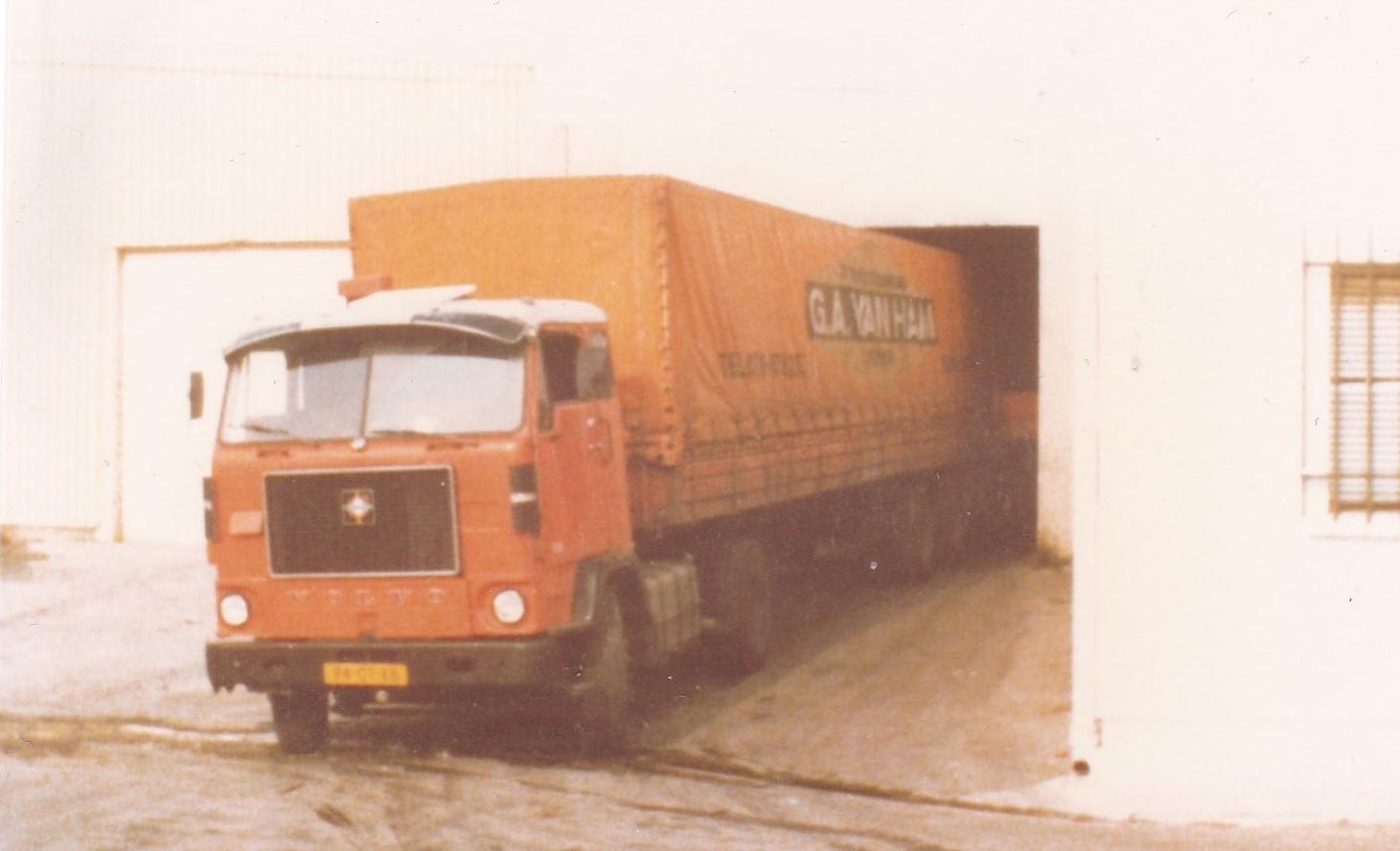 Volvo-F88-Ad-van-Mierden--