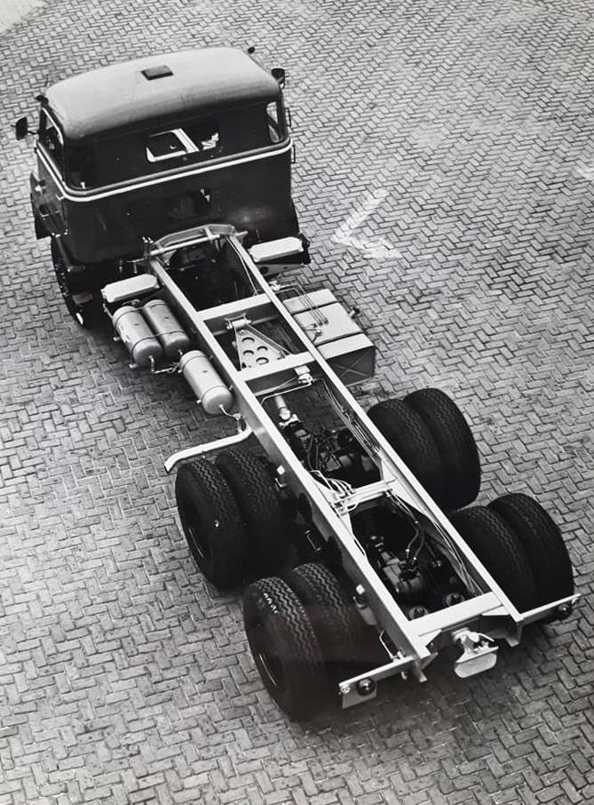 DAF-2400-ATE--6X4-Daf-AZ-1900--Hans-Koning-archief-(9)