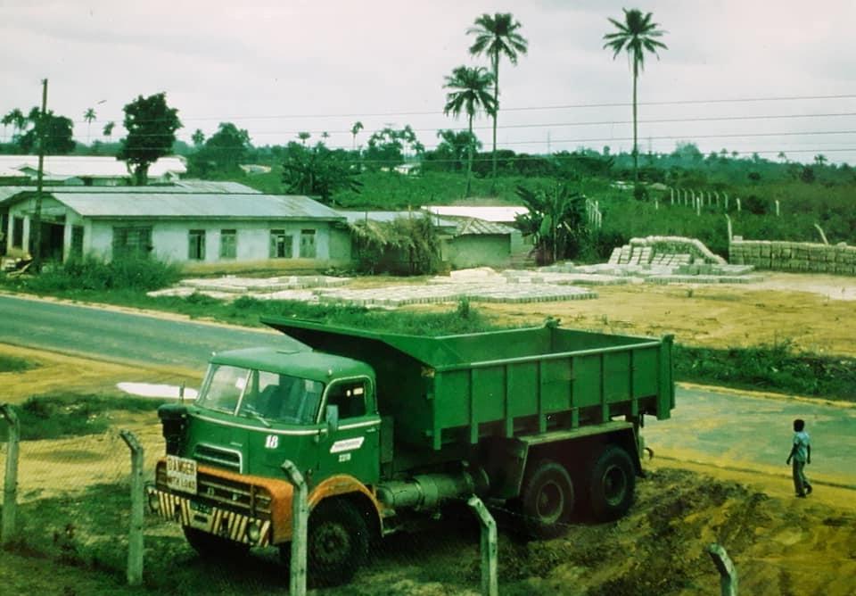 DAF-DO--de-koning-van--de-Ivoorkust-Hans-Koning-archief-(18)
