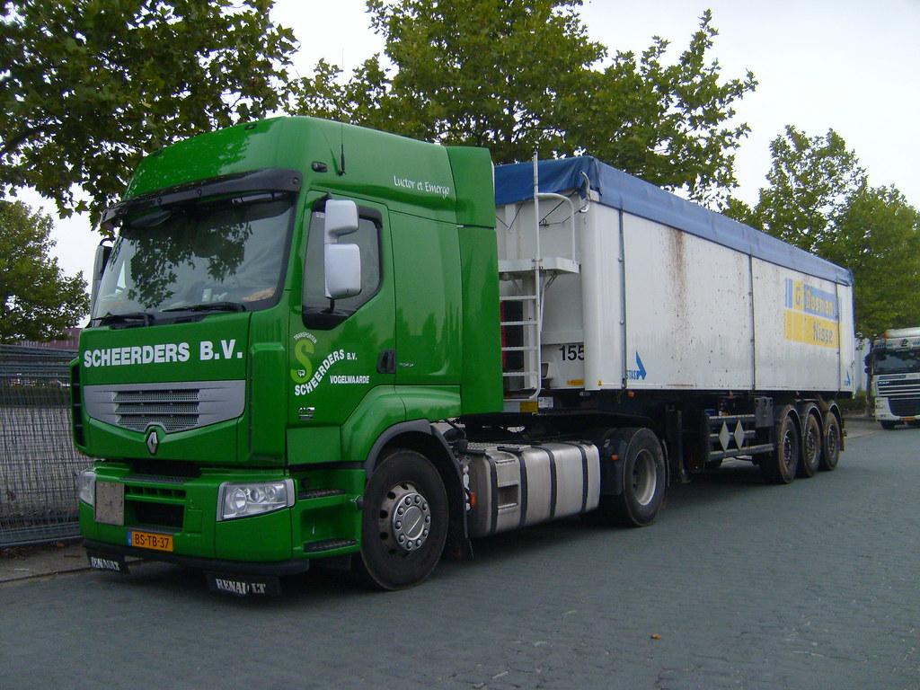 Renault--Bosman-trailer