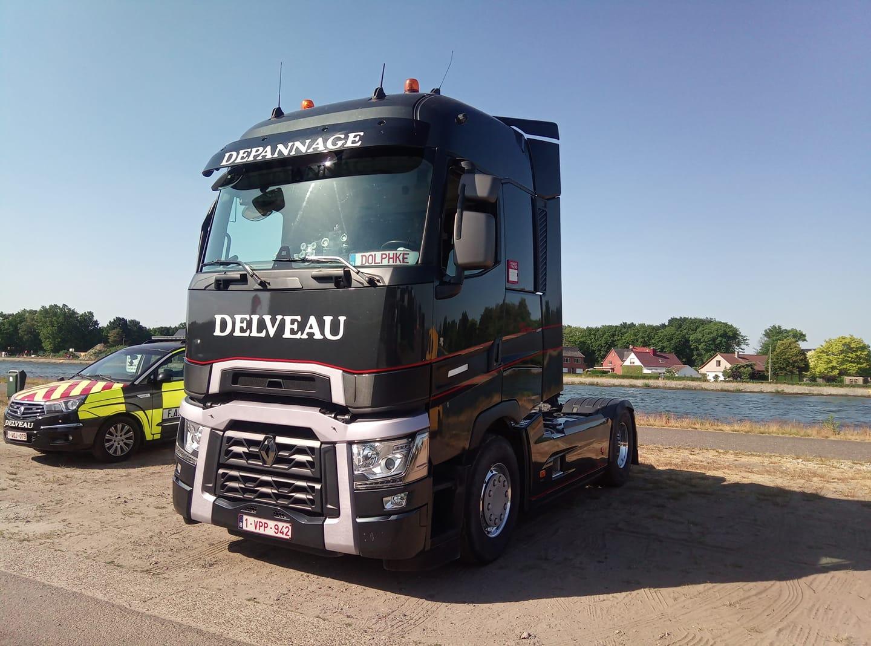 Renault-T-in-zwart