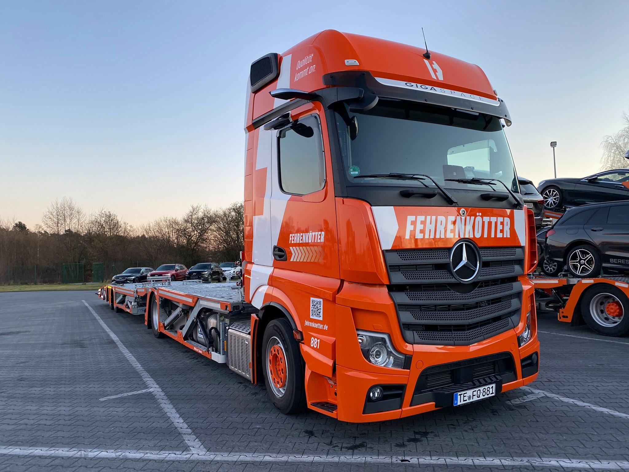 Mercedes-met-nieuw-logo--5-3-2021--(4)