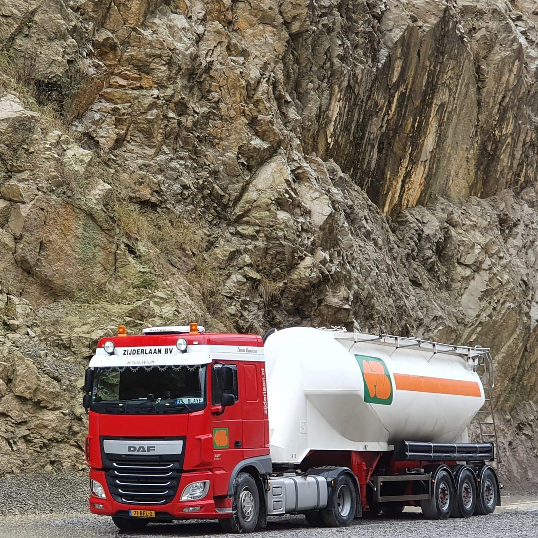 Daf-bulkers-in-zn-werkgebied--Cristiaan-de-Blaeij-archief-