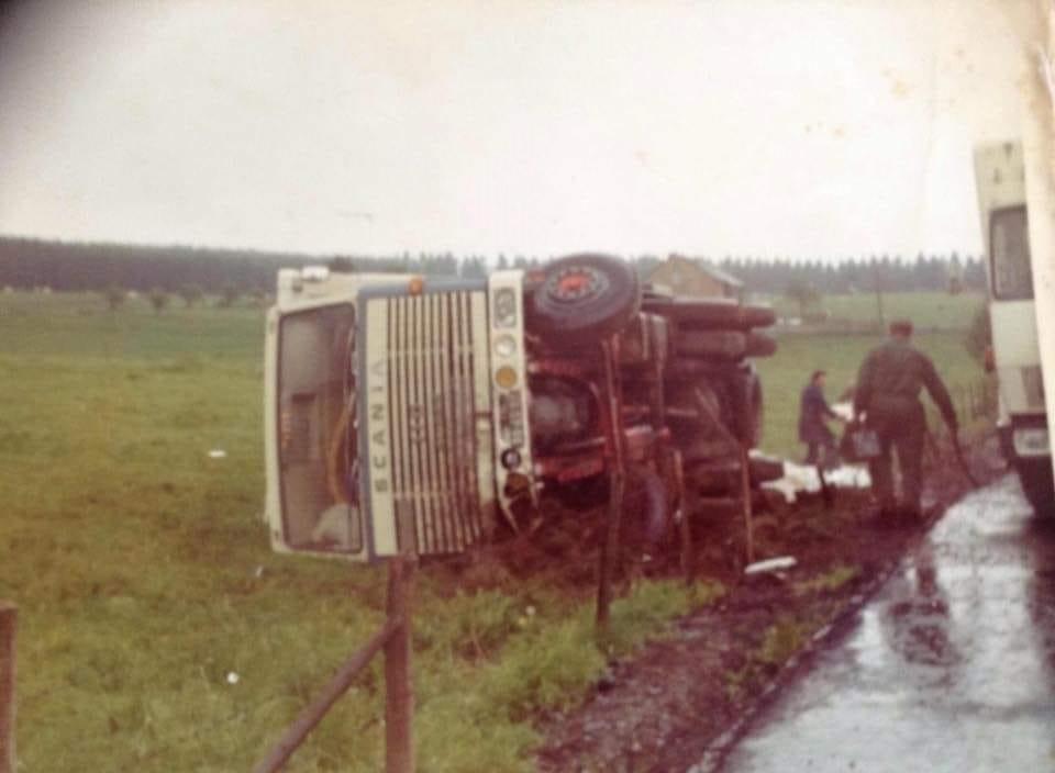 Scania-Het-ging-wel-es-mis-ook-net-3-weken-oud-ze-kon-der-nie-mee-lachen-bij-Luxemburg-chauffeur-Piet-Brouwer---Anne-Jans-Oosterbaan-archief--
