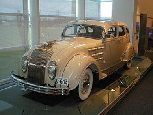 1934-Chicago-autoshow-Vandaag-87-jaar-geleden--27-januari-1934--veroorzaakten-de-DeSoto-Airflow---