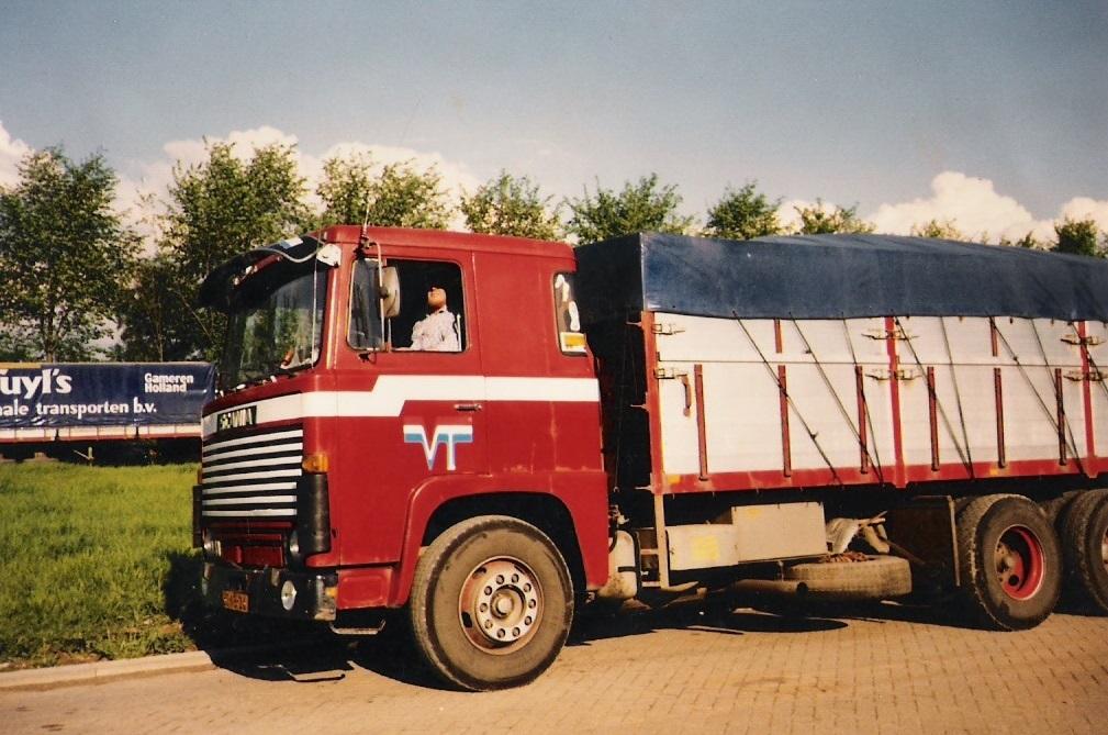 Rien-Wildermans-zijn-eerste-auto-bij-Van-Tuyl