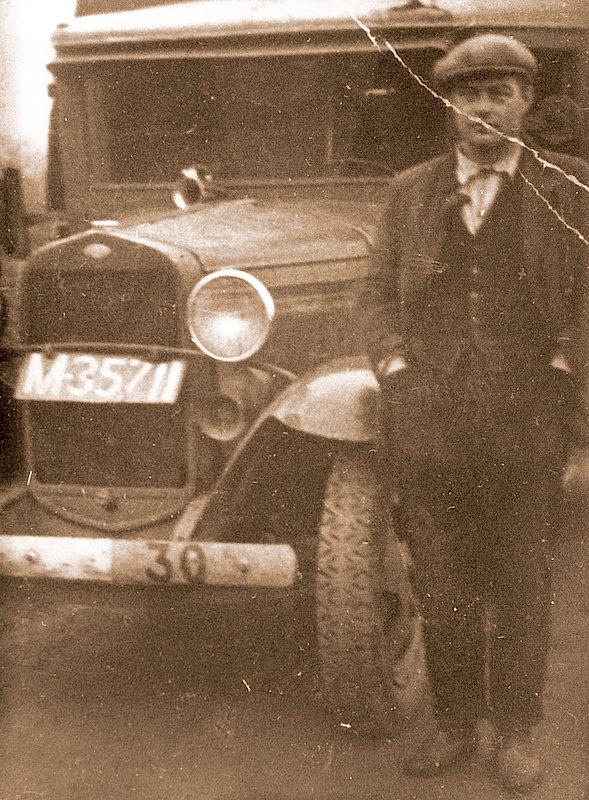 1-Joep-v-d-Kamp-met-eerste-wagen-2-10-1929-