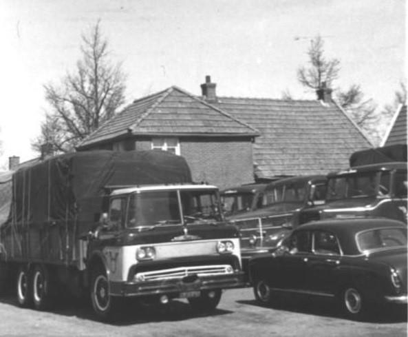 0-Mack-mercedes-luxewagen