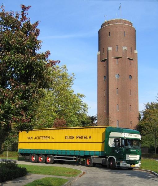 Scania--BP-VS-02-voor-de-watertoren-Oude-Pekela