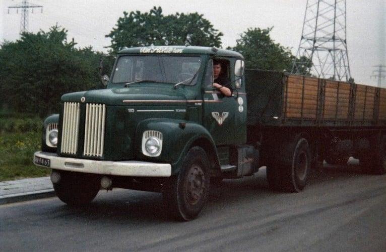 Scania-Vabis---AN-94-63-op-weg-naar-de-volgende-vracht---