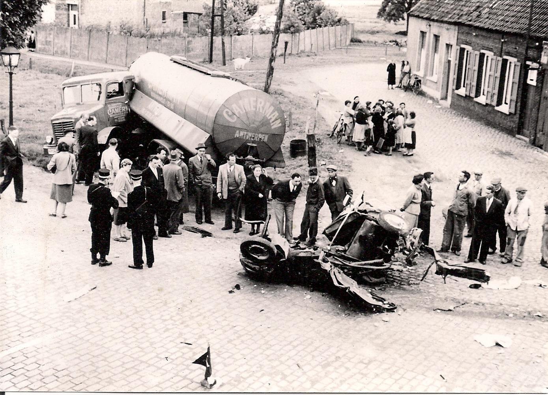 Woensdag--25-mei-1956-Waarloos---ter-hoogte-van-de-brouwerij-Maes--(1)