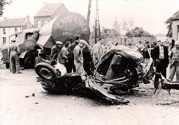 Woensdag--25-mei-1956-Waarloos---ter-hoogte-van-de-brouwerij-Maes--(2)