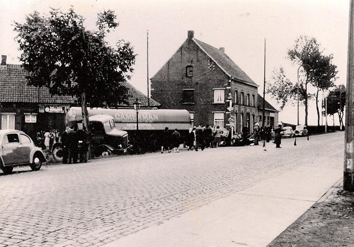 Woensdag--25-mei-1956-Waarloos---ter-hoogte-van-de-brouwerij-Maes--(6)