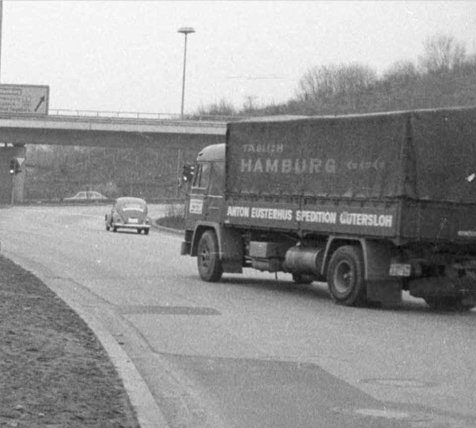 Bussing--Anton-Eusterhus-Gütersloh-im-Januar-1972-an-der-Auffahrt-der-B76-zur-B404-in-Kiel