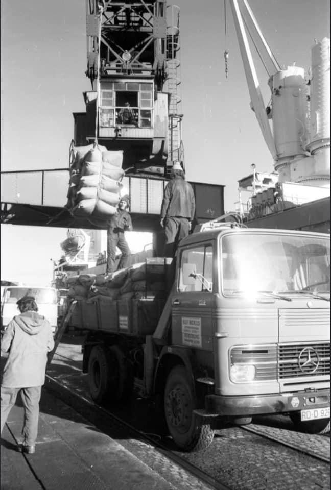 Mercedes---Elly-Nickels-Rendsburg-im-November-1972-in-Kiel-am-Bollhornkai