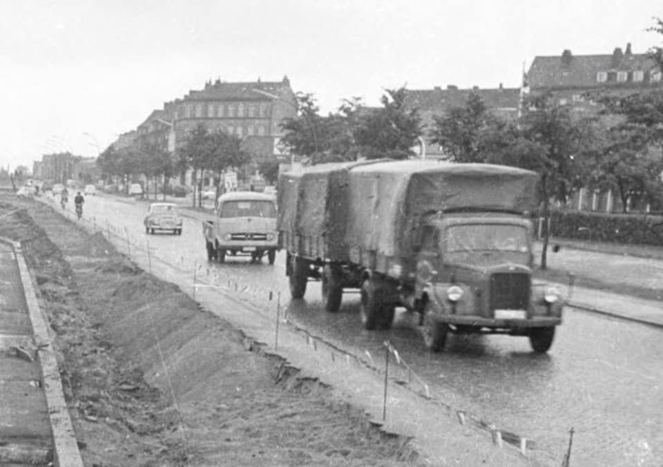 Mercedes--Juli-1964-in-Kiel-Eckernforder-Straße
