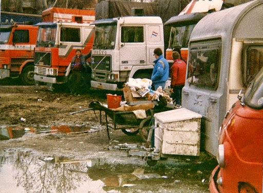 Goos-kun-je-je-dit-voorstellen---Staking-en-dan-op-een-zigeuner--kamp-parkeren--1988