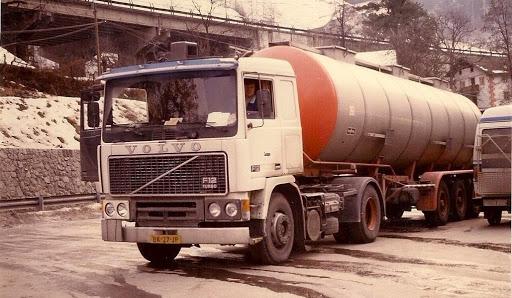 Goos-met-de-Volvo-F-12-Tank-opl-