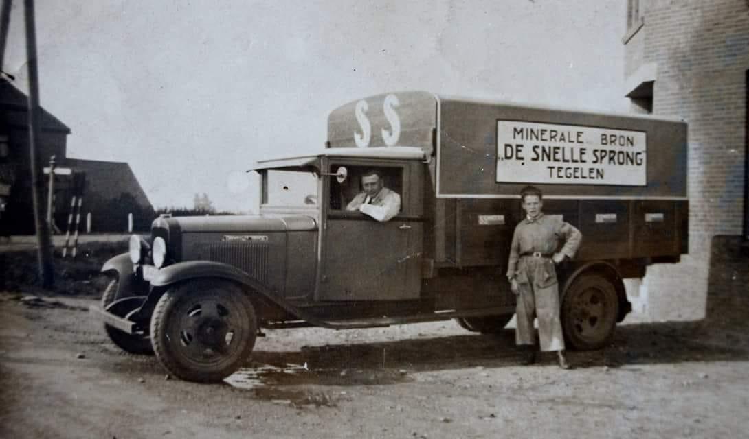 Snelle-Sprong-limonade-Tgelen-puur-bronwater--Harrie-Schreurs-archief