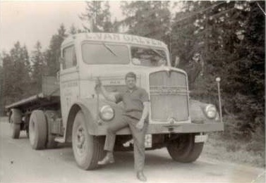 Eduard-Daems---Senior-met-de-MAN-type-1950-in-Duitsland