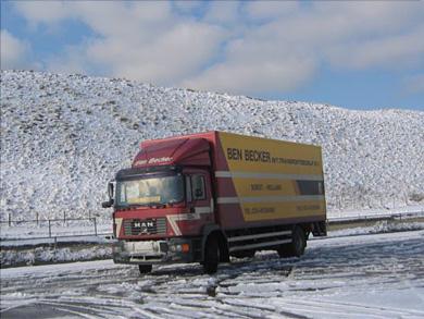MAN-Tom-Kasbergen-foto-Hoge-noorden--oktober-2004-sneeuw