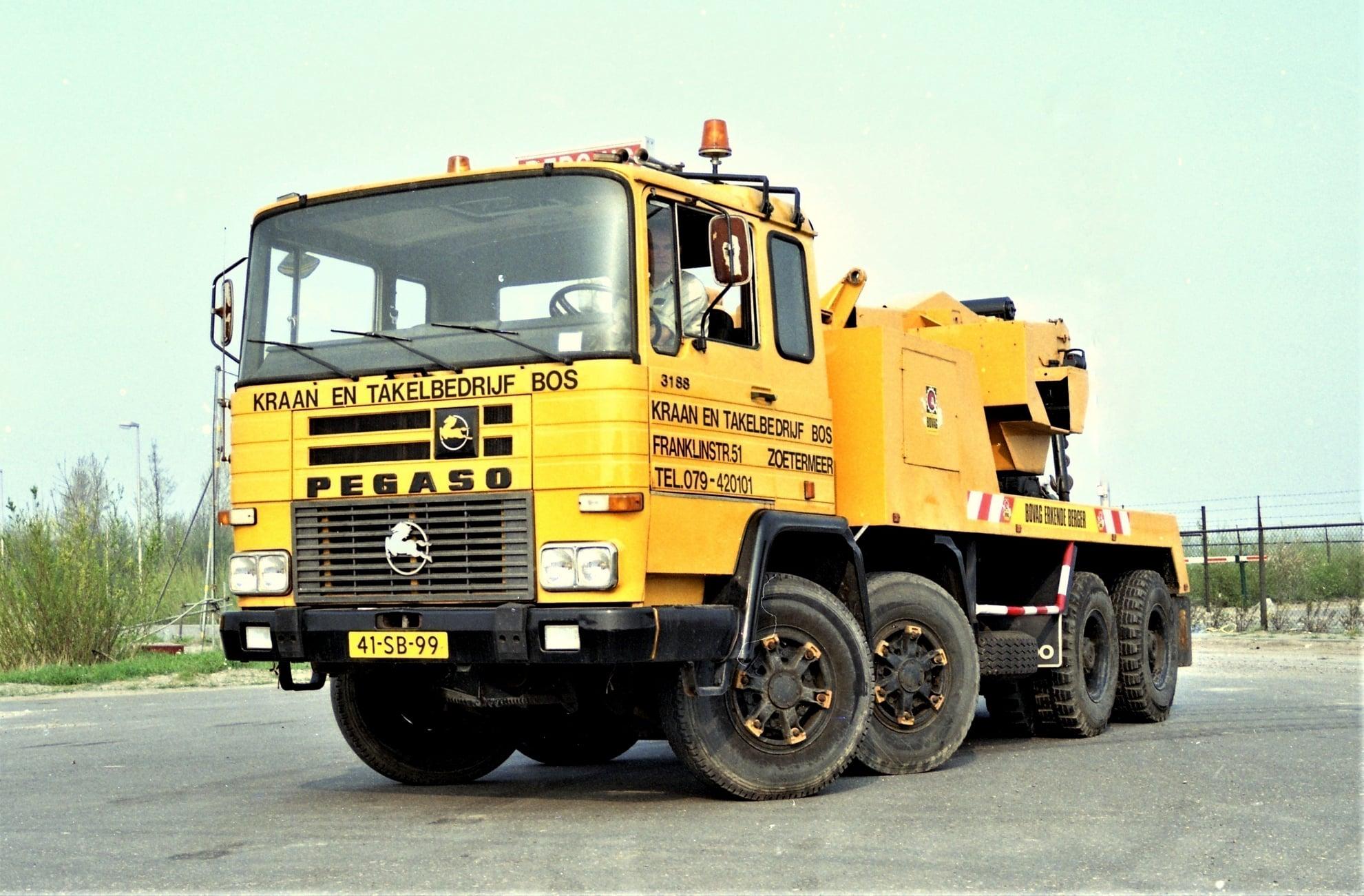 Pegaso-3188-met-Bos-kraan-25-4-1987-Wim-Den-Drunen-foto