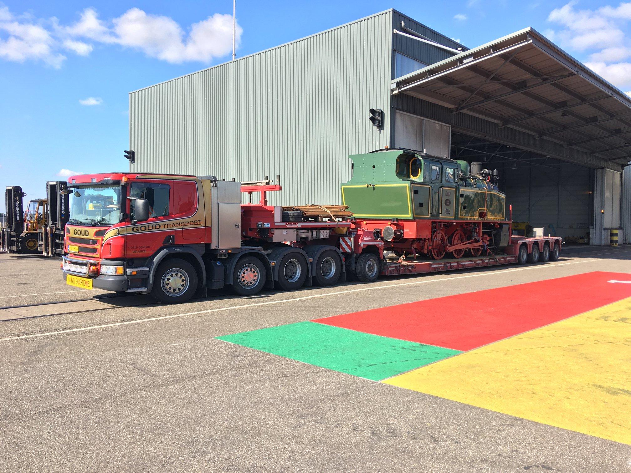 Scania-met-Loc-Tom-vanuit-Ijmuiden-op-weg-naar-Goes