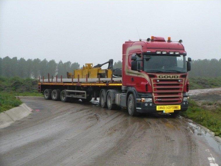 Scania-met-zwenkas-trailer--(1)