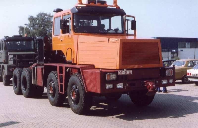 Faun-8X8-van-seumeren-Cabine-front-MAN