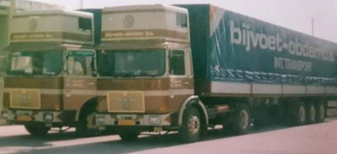 Andre-Krijnsen-met-collega-Leo-bij-de-douane-in-Italie-2X-19-331