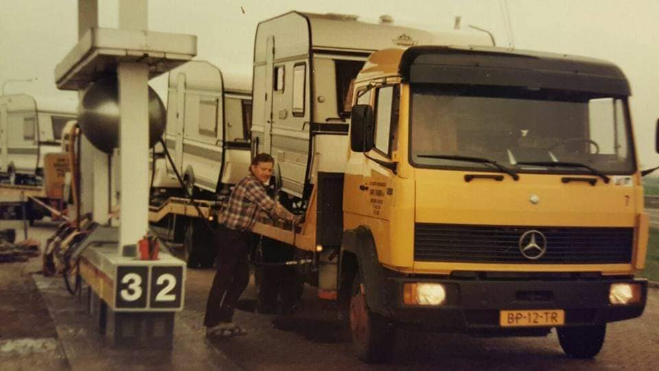Leon-Boltong-met-de-overgenomen-wagens-van-C-&-S-Geleen-(9)