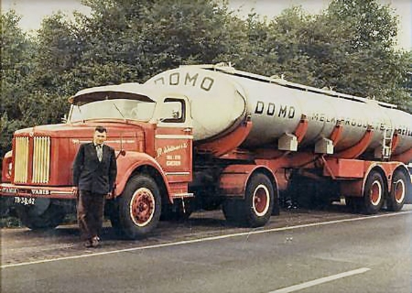 Scania--Vabis-voor-de-truck-W--Woltman-