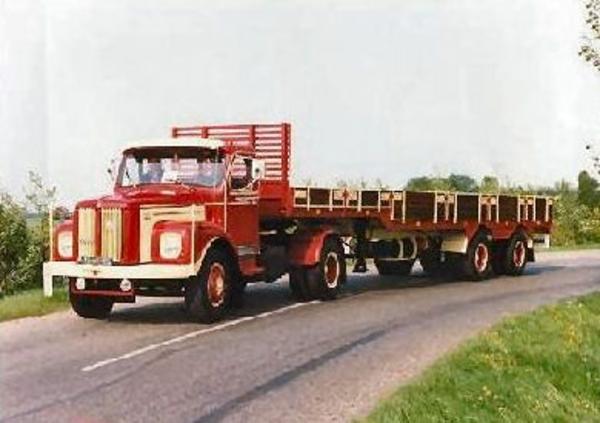 Scania-Torpedo--Zwalve-Oplegger