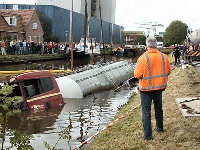 Scania-te-water-door-breken-stuurstang-Stroobos--(3)